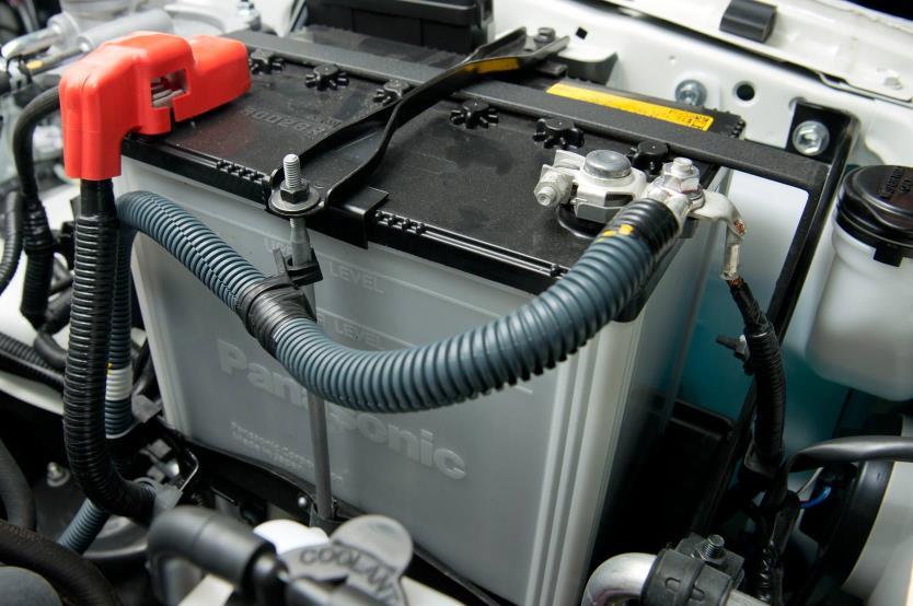 Baterías y accesorios (6)