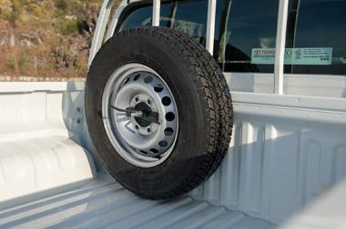 Support de 2ème roue de secours pour modèle Hilux