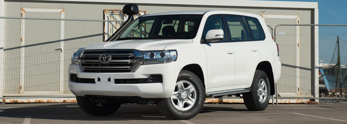 VDJ200-GNMAZ - Land Cruiser 200 GX-R manual 8 seater