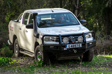Hilux off-roading video