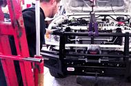 Préparation d'un HZJ76 dans un atelier TGS
